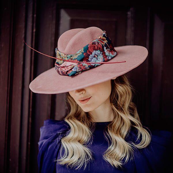 sombrero malai lateral izquierdo